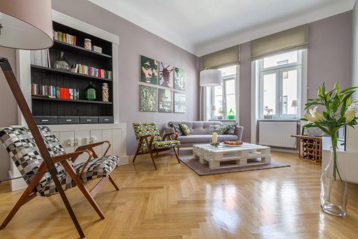 Interieur Aufnahme eines Apartments. Zeigt das Wohnzimmer mit moderner Einrichtung. Hotelfotografie und Interieurfotografie von MANFRED SODIA photography.